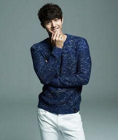Lee Ki Woo Grandpas Over Flowers, Lee Ki Woo, Miss Korea, Flower Boys, Asian Boys, Kdrama, Men Sweater, Korean, Kpop