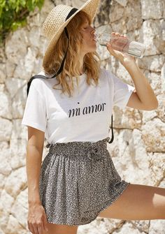 Auguste the Label Mi Amor Tee White. Made in a beautiful blend of hemp and organic cotton for an eco-friendly footprint, this relaxed tee carries a whole lotta love with a soft worn-in feel. Girls Wardrobe, Fashion Boutique, Beauty Boutique, Vintage Style Dresses, Boho Shorts, Organic Cotton, Vintage Fashion, Cute Outfits, Label