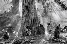 Photographie de Sebastiao Salgado, Exodes, Tigray, Ethiopia, 1985 © Amazonas Images. Article : Les Jolis Mondes