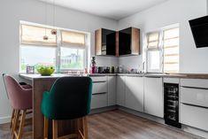 Modern kitchen design with alternated fronts. #modernkitchen #bucatarii moderne #kitchendesign #kitchenfurniture #kitcheninspiration #kitchenideas #KUXAstudio #KUXA #KUXAkitchen #bucatariemoderna #bucatarie #bucatariilacomanda Modern Kitchen Design, Kitchen Furniture, Studio, Table, Home Decor, Decoration Home, Room Decor, Kitchen Units, Studios