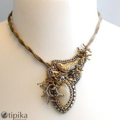 small bird & cabochon - love the fringe - looks like the bird is on a nest - sepia1 - http://tipika.pl/blog/?p=3794
