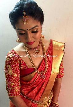 Design Wedding Saree Blouse Designs, Pattu Saree Blouse Designs, Wedding Sarees, Bridal Sarees, Collection Eid, South Indian Bride Hairstyle, Indian Bridal Fashion, Saree Dress, Indian Designer Wear