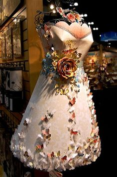 One of the most talked about displays at CHA was the DCWV booth with the amazing paper dresses, party displays and the fabulous roses the s. Tea Bag Art, Paper Fashion, Butterfly Dress, Fantasy Costumes, Dress Out, Fabulous Dresses, Paper Roses, Flower Dresses, Diy Projects To Try