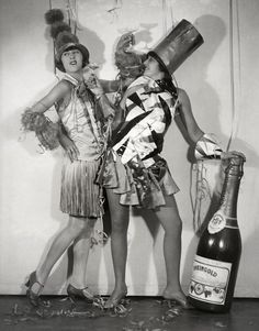 Happy New Year. Carnival in Berlin, 1928 Vintage Happy New Year, Vintage Holiday, Vintage Year, Berlin Party, Cabaret, Music Television, New Years Eve Dresses, Roaring Twenties, Actresses
