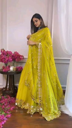 Party Wear Indian Dresses, Designer Party Wear Dresses, Pakistani Dresses Casual, Indian Gowns Dresses, Indian Bridal Outfits, Indian Bridal Fashion, Dress Indian Style, Indian Fashion Dresses, Indian Designer Outfits