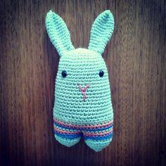 Amigurumi Conejo Koko www.pinkyminky.com.ar 100% crochet hecho a mano, en algodón natural