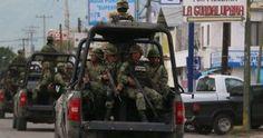 La Secretaría de la Defensa nacional (Sedena) informó que sus efectivos liberaron a 45 personas que estaban secuestradas en distintos hechos en Tamaulipas y Veracruz en sólo un día. De acuerdo con una tarjeta comunicativa, los soldados rescataron el pasado 21 de noviembre rescataron a cinco ciudadanos hondureños, tres de ellos menores de edad, que […]