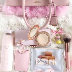 """1,525 Likes, 65 Comments - Catherine ☁️☁️☁️ (@catherine.mw) on Instagram: """"The contents of my handbag (minus the screwed up receipts & chewing gum wrappers ) more details on…"""""""
