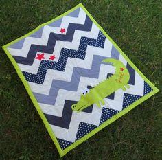 Galindaines - manta de patchwork per a nadó // manta de patchwork para bebé // chevron patchwork quilt for a baby