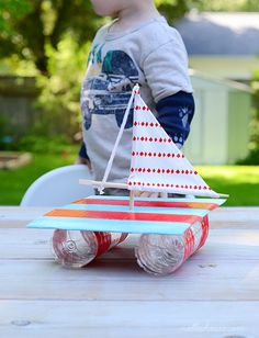 RECYCLED SAILBOAT CRAFT (via http://www.nalleshouse.com/2013/06/from-trash-to-boat.html)