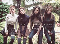 korean fashion similar twin look skirt navy jeans white striped Korean Fashion Trends, Korea Fashion, Kpop Fashion, Asian Fashion, Girl Fashion, Fashion Looks, Fashion Outfits, Simple Girl Outfits, Cute Outfits
