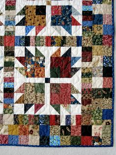 Jellystone quilt pattern by Carrie Nelson. Modified bear paw quilt.