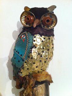 Yay, love this new Ritch Branstrom owl! Found Object Art, Found Art, Polymer Clay Animals, Polymer Clay Art, Henri Matisse, Monet, Textile Sculpture, Owl Pet, Owl Crafts