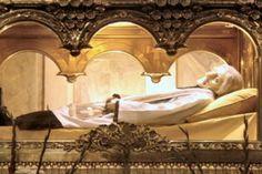 St John Vianney Feast Day August 4 Incorruptible Body!