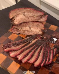 Grilled Brisket, Beef Brisket Recipes, Smoked Beef Brisket, Smoked Meat Recipes, Brisket Recipe Smoker, Fire Cooking, Smoker Cooking, Cooking Tips, Summer Grilling Recipes