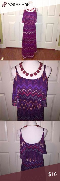 Chevron print maxi dress Size small. Fully lined. Adjustable straps. 100% polyester. Dresses Maxi