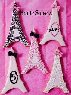 Eiffel Tower Cookie variety including name and age! Iced Cookies, Cute Cookies, Royal Icing Cookies, Cupcake Cookies, Sugar Cookies, Paris Birthday Parties, Paris Party, Paris Theme, Eiffel Tower Cake