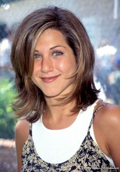 Jennifer Aniston had so many beautiful hairstyles that we simply didn& . - Jennifer Aniston had so many beautiful hairstyles that we just can& find a favor … – My S - Medium Length Hair With Layers, Medium Hair Cuts, Medium Hair Styles, Short Hair Styles, Medium Cut, Hair Layers, Retro Hairstyles, Celebrity Hairstyles, Gorgeous Hairstyles