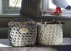 Terrific Photo Crochet basket for blankets Tips Eckige Utensilos Crochet Squares Afghan, Easy Crochet Blanket, Crochet Blanket Patterns, Knitting Patterns, Crochet Ideas, Crochet Home, Crochet Yarn, Knitting Yarn, Wool Yarn