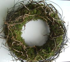 Wreaths - large wreath of moss, corkscrew willow and salim - a designer piece . Spring Door Wreaths, Christmas Door Wreaths, Easter Wreaths, Holiday Wreaths, Moss Wreath, Advent Wreath, Grapevine Wreath, Willow Wreath, Easter Table Decorations