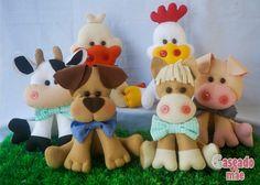 kit feltro fazendinha, bichinhos da fazenda Sewing Stuffed Animals, Farm Party, Felt Applique, Minnie, Felt Crafts, Wool Felt, Baby Room, Baby Shower, Christmas Ornaments