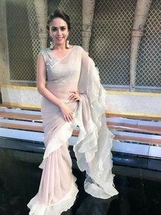 Ruffle Saree Style is the Hottest Trend of this Season 2018 Trendy Sarees, Stylish Sarees, Fancy Sarees, Saree Draping Styles, Saree Styles, Drape Sarees, Indian Beauty Saree, Indian Sarees, Indian Wedding Outfits