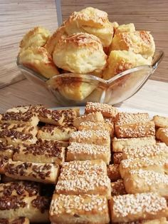 French Pastries, French Toast, Bakery, Sweets, Bread, Foods, Snacks, Cookies, Breakfast