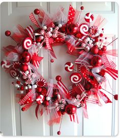 This red and white wreath can be switched up a bit so it's perfect for Valentine's Day