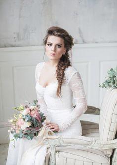 Сегодня мы представляем вам стилизованную съемку трех зимне-весенних образов невесты, которые поражают сочетанием в себе нежности и эффектности.