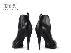 Collection Casadei: Casa Boots CDO T10 en cuir noir
