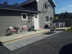 Grå skifer husfarge - naturgrå terrasse