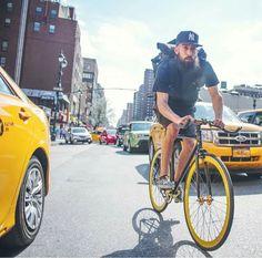 fixie bike new york ~ fixie new york + fixie bike new york Urban Cycling, Urban Bike, New York Street, New York City, Bike Messenger, Fixed Gear Bike, Cycle Chic, Bike Style, Road Bikes
