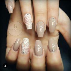 Kare kesim diamond taşlı beyaz dantel işlemeli uzun vizon krem gel jel tırnak diyazn design