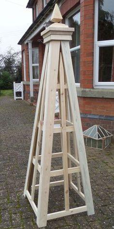 Rennie - wooden-Garden-Obelisk