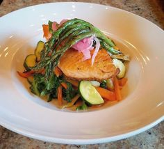 "@verdecocina: ""Fresh from the Hillsdale Cocina - a lovely salmon paleo special with farmers market seasonal veggies pickled red onion and spring asparagus. Simple hearty locally sourced and naturally gluten free. Salud! #verdecocina #paleo #glutenfree #pescatarian #healthyeats #healthyfood #farmtofork #farmtotable #pdxfood #pdxnow #pdxeats #feedfeed #gf #gf_daily #nw #portland #portlandoregon #eatyourveggies #dinepdx #glutenfreepdx"""