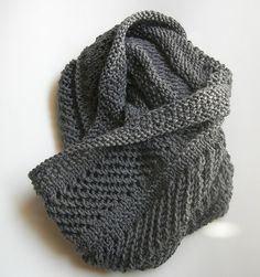 Turbines (a cowl) by Sandra D. Carter free pattern  on Ravelry at http://www.ravelry.com/patterns/library/turbines-a-cowl