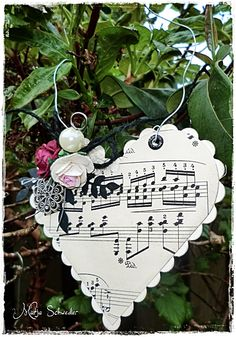 musical heart - This would be beautiful with quilled flowers on the upper left of the heart!