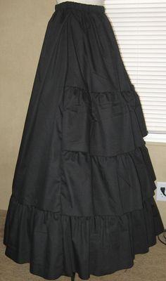 Making this skirt tonight just with different fabric! So beautiful!