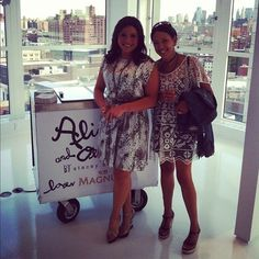 Rachael Ray took a moment to say hello during the @alice_olivia showroom opening. #food #style #fashion