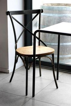 Bristol ruokapöydän tuoli