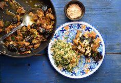 Egyszerű báránytagine Curry, Ethnic Recipes, Food, Turmeric, Curries, Essen, Meals, Yemek, Eten