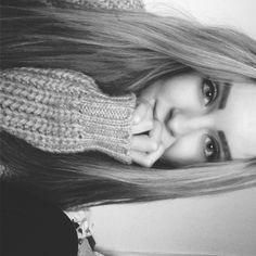 Hi I'm Bridget I'm 18 and single I love huskies and meeting people Intro?