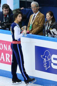 (L to R) .Ryuju Hino (JPN), . Hiroshi Nagakubo Coach, .DECEMBER 6, 2012 - Figure Skating : .ISU Junior Grand Prix of Figure Skating Final 2012/2013 .Mens Short Program .at Iceberg Skating Palace, Sochi, Russia. .(Photo by YUTAKA/AFLO SPORT) [1040]