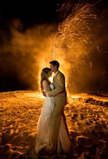 Bonfire at beach wedding/reception - something I really want to do. <3 just a bonfire period