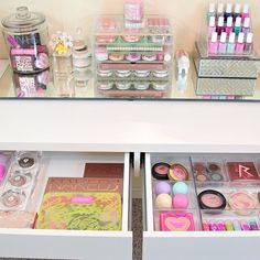 how to organize your vanity // more on styledbrunette.com
