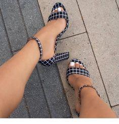 Plaid high heels design