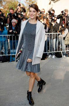 grey dress and blazer street style