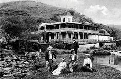 Antiguo balneario termal del hotel Buena Vista, en Aguacaliente de Cartago (fotografía de I.N. Rudd, aproximadamente en 1908).
