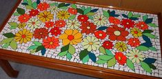 Mosaic Art, Mosaic Glass, Stained Glass, Mosaic Projects, Projects To Try, Mosaic Ideas, Gallery Wall Layout, Colours, Mosaic Tables