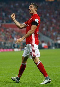 Robert Lewandowski (Bayern Munich) Nike Hypervenom II